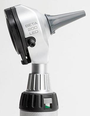Отоскоп BETA 200 с F.O. освещением XHL и перезаряжаемой рукояткой BETA 4 NT, Heine